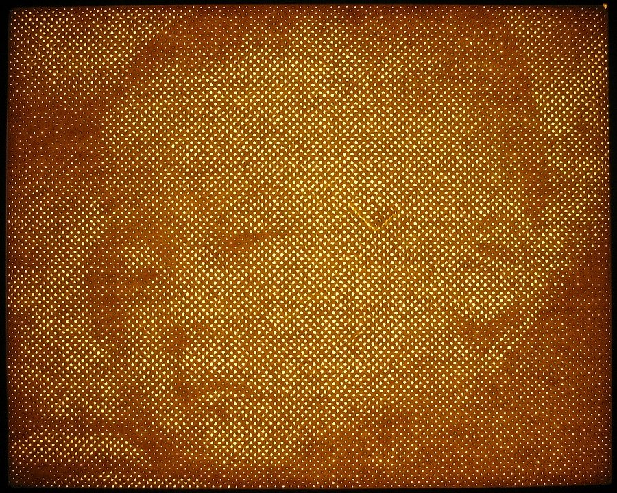 Without-breath-punched-and-backlit-paper-21x26-cm.JPG